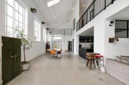 Moderne bolig i gammel smedje
